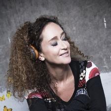 Nathalie De Borah