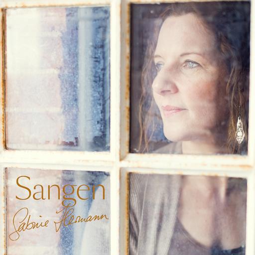 Sabine Hermann - Sangen